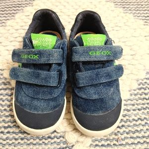 Geox Respira velcro sneakers size 6.5 toddler